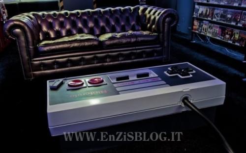 tavolo nintendo 01 500x312 Nes Table, Il tavolo con il controller Nintendo